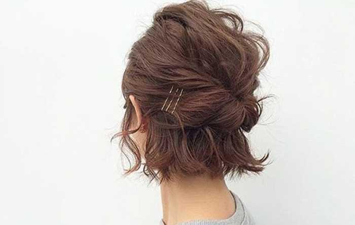 Модные прически на короткие кудрявые волосы