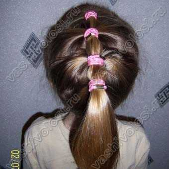 Прическа с маленькими резиночками на коротких волосах