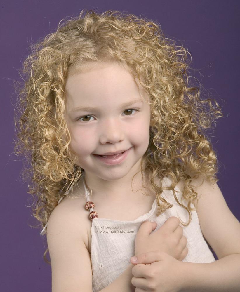 Стрижки на волнистые волосы для девочки