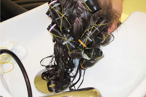 Как происходит современная химическая завивка волос