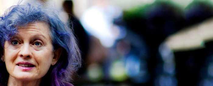 Цветные яркие волосы в пожилом возрасте